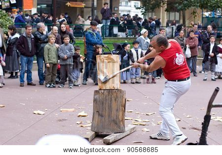 Basque Rural Sports. Harrijasotzaile, Aizkolari, Wood-chopping.