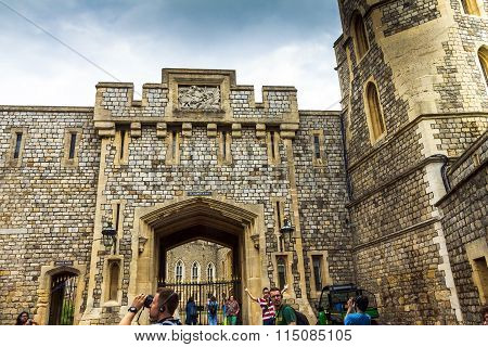 Unidentified Visitors Near  St. George Gate In The Interior Of Windsor Castle. Uk