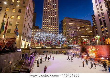 Skaters At The Famous Rockefeller Center