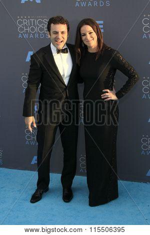 LOS ANGELES - JAN 17:  Fred Savage, Jennifer Lynn Stone at the 21st Annual Critics Choice Awards at the Barker Hanger on January 17, 2016 in Santa Monica, CA
