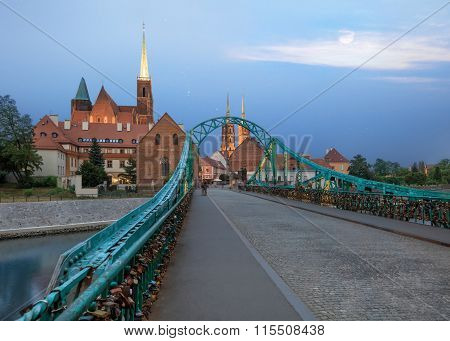 Wroclaw Tumski Island bridge, vivid sunset