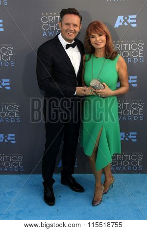 LOS ANGELES - JAN 17:  Mark Burnett, Roma Downey at the 21st Annual Critics Choice Awards at the Barker Hanger on January 17, 2016 in Santa Monica, CA