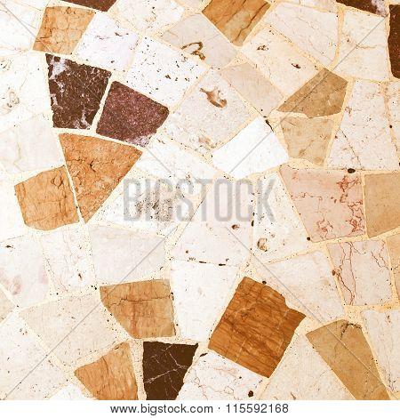 Retro Looking Floor Picture