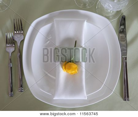 table dish