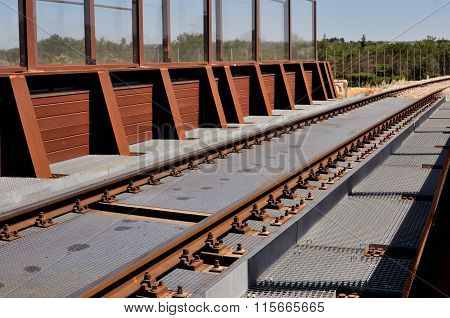 Railway bridge runs in Corten steel