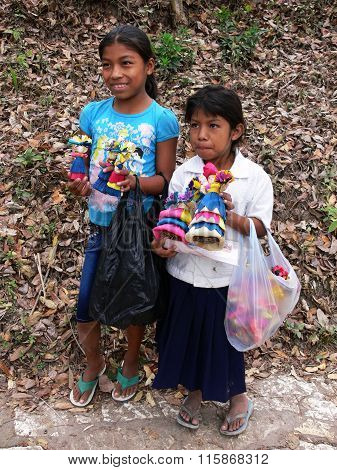 Children selling souvenirs in Honduras