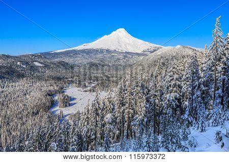 Beautiful Winter Vista Of Mount Hood In Oregon, Usa.