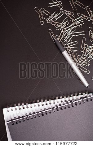 Office Supplies Ballpen With Notepad And Binder Clips