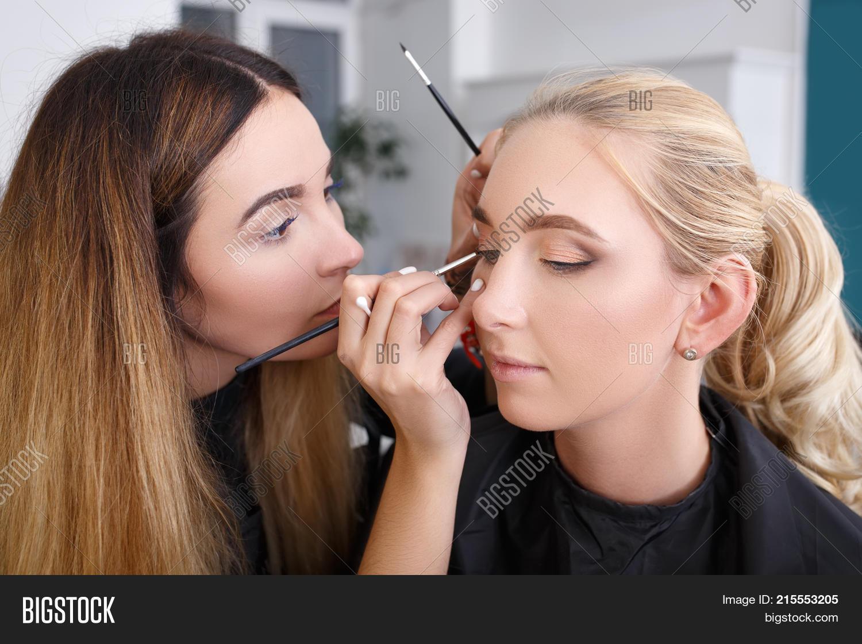 Professional Makeup Image Photo Free