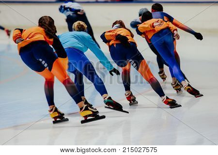 warm up back group women athletes speed skaters