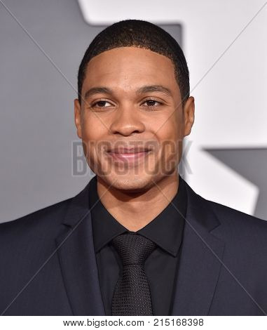LOS ANGELES - NOV 13:  Ray Fisher arrives for the