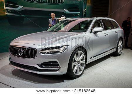 New 2017 Volvo V90 Car