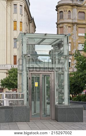 Accessible Glass Lift at Bridge in Budapest