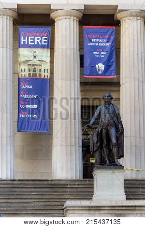 NEW YORK-NOVEMBER 20: The statue of George Washington outside Federal Hall near Wall St on November 20 2017 in lower Manhattan.