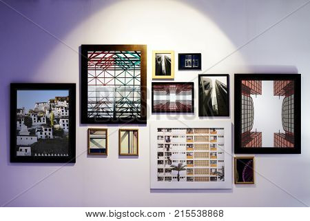 Art gallery frames