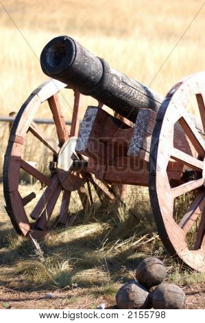 Old Style Cannon