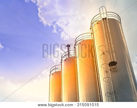 Stainless Steel Silos For Chemical Industry Or Food Industry