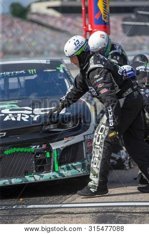 July 21, 2019 - Loudon, New Hampshire, USA: Ty Dillon (13) and crew make a pit stop for the Foxwoods Resort Casino 301 at New Hampshire Motor Speedway in Loudon, New Hampshire.