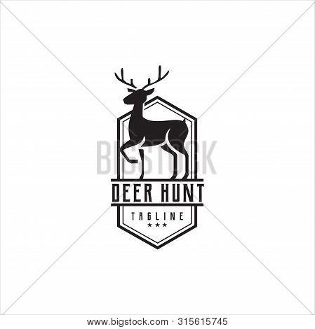 : Deer Hunt Logo Template / Elegant Deer Head Logo Designs Vector / Vintage Deer Elk Logo Design / W