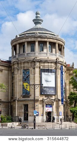 Paris, France - May 5, 2019: Musee Guimet -or Musee National Des Arts Asiatiques- Is An Art Museum L