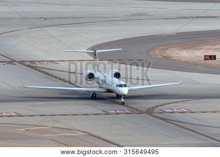 Las Vegas, Nevada, Usa - May 5, 2013: Gulfstream G-v Luxury Business Jet N721mm At Mccarran Internat