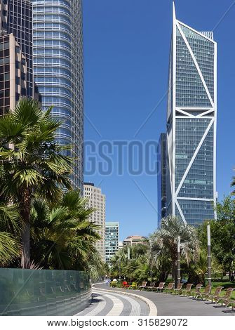 San Francisco, California - August 04, 2019: Path In Salesforce Transit Center Roof Garden. View Wit