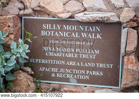 Silly Mountain, Az, Usa - March 9, 2020: Silly Mountain Botanical Walk Stone Marker