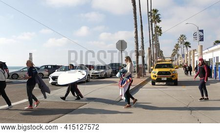 Oceanside, California Usa - 8 Feb 2020: Women Walking On Waterfront Promenade, People On Beachfront