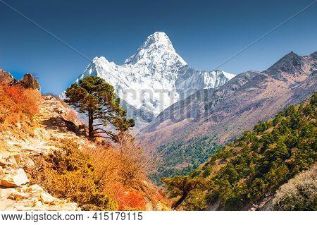 View Of Ama Dablam Peak In Himalaya Mountains, Nepal. Everest Base Camp Trek. Beautiful Autumn Lands