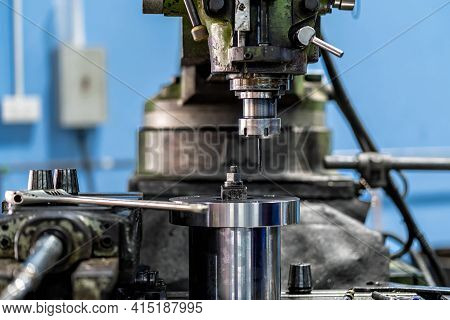 Professional Milling Machine In Metalworking Factory, Lathe Metalworking Industry Concept