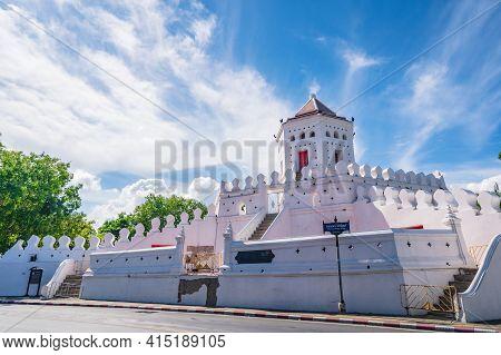 Bangkok/thailand-30 May 2020:phra Sumen Fort The Ancient Fort Of Bangkok.phra Sumen Fort Is The Nort
