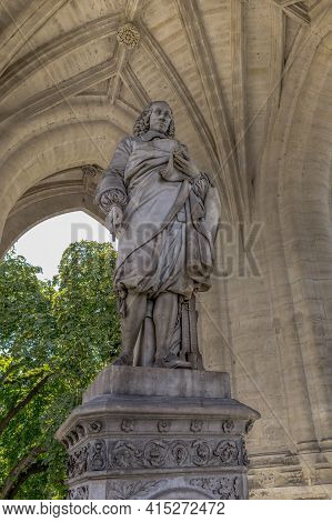 Paris, France - August 30, 2019: This Is The Monument To The Scientist Blaise Pascal Under The Arche