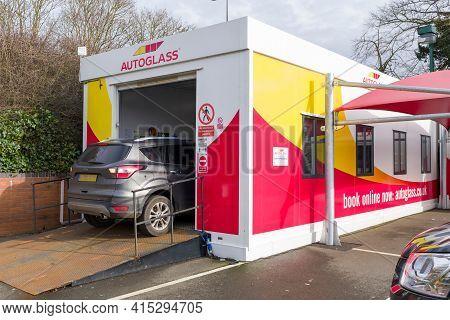 Aylesbury, Uk - February 03, 2021. Autoglass Workshop In Aylesbury, Buckinghamshire.  Car Windscreen