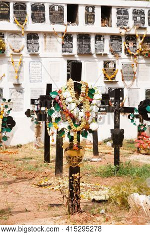 Panaji, India - November 07, 2011. Cemetery, Burial Ground With Graves And Niches In The Church Grav