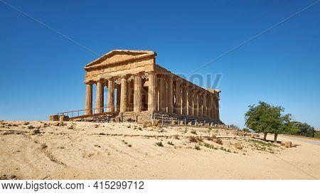 Temple Of Concordia, Or Tempio Della Concordia In Italian. Valley Of Temples, Agrigento, Sicily, Ita