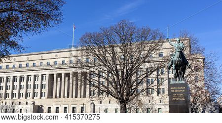 Washington Dc, Usa 11-29-2020: The Headquarters Of The Us Department Of The Interior Building With T