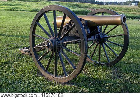 Maryland, Usa 08/05/2020: Close Up Selective Focus Image  Of A Civil War Era Howitzer M1841 12 Pound