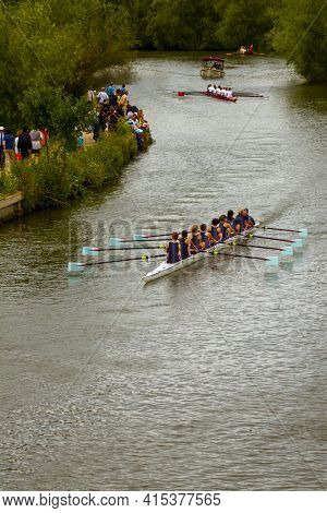 Oxford, Uk 06/04/2011: Traditional Annual Summer Eights Rowing Competition In Oxford. Teams Of Eight