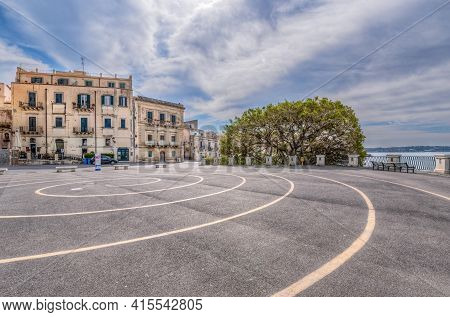 Syracuse Sicily/ Italy -april 11 2020: The Archimedean Spiral Drawn In The Square Of The Aretusa Fou