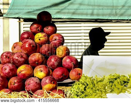Sao Paulo, Brazil, November 23, 2006. Mangoes Are Sold At The Stall Of A Street Fair In The City Of