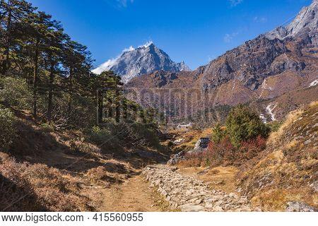 Way To Kumjung. Khumbu Yul Lha Mountain. Himalayas, Nepal