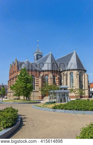 Rijssen, Netherlands - April 27, 2020: Historic Schildkerk Church In The Center Of Rijssen, Netherla
