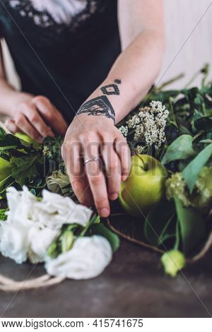 Floral Design Courses Online, Florist Business, Small Business, Flower Arranging, Florist Trends. Fl