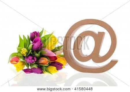 e-sign com buquê de flores isolados sobre fundo branco