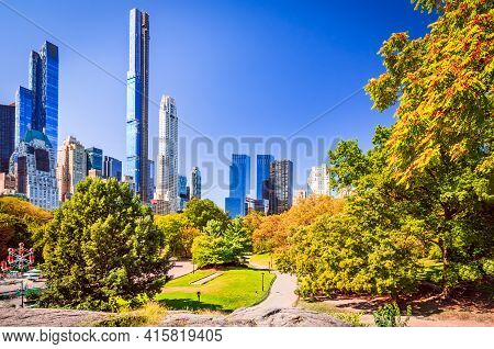 New York, Usa - Autumn Lanscape And Skyscrapers Central Park, Midtown Manhattan.