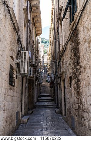 Dubrovnik, Croatia - Jun 21, 2020: Old City Of Dubrovnik. Narrow Street Of Medieval Town, Dalmatia R