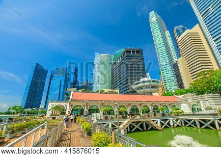 Singapore - April 28, 2018: Central Business District Or The Cbd Buildings And Clifford Square In Ma