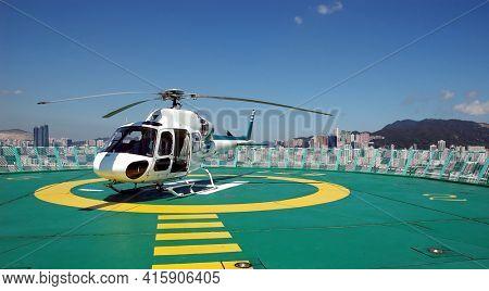 Hong Kong - 22 JUNE 2006: Roof Top Helicopter Pad, Hong Kong, China