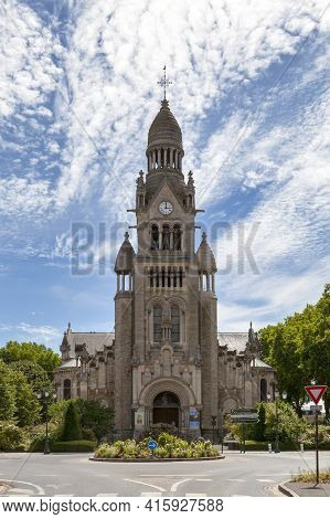 Épernay, France - July 23 2020: The Church Of Saint-pierre-saint-paul Was Inaugurated In 1897. To Pa