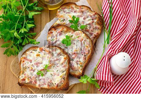 Flammekueche Toasts With Lardons, Onions And Sour Cream Creme Fraiche